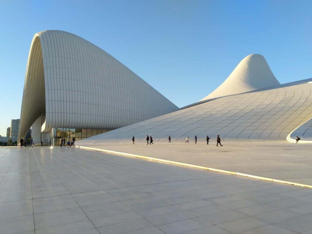 Futurystyczna architektura stolicy Azerbejdżanu